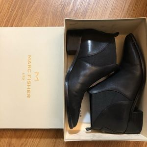 Marc Fisher Yellin Chelsea boots, black, 7.5